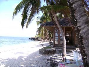 Beach Resort auf Siquijor mit weißem Sandstrand
