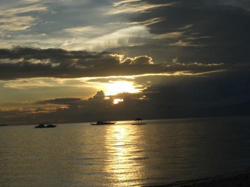Die Voodoo Insel Siqijor auf Negros ist berühmt für wunderschöne Sonnenuntergänge