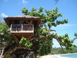In einem Baumhaus nächtigten wir, als wir am Bikini Beach im Osten Mindanaos waren