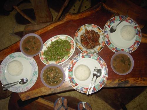 Philippinisches Essen kann auch gesund sein: Bohnen, Spinat und anderes Gemüse gibt es auch auf den Philippinen