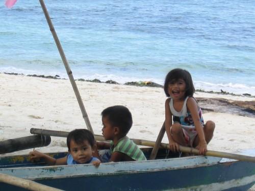 Philippinen-Urlaub mit Kindern: exotische Fernreise auf die Inseln