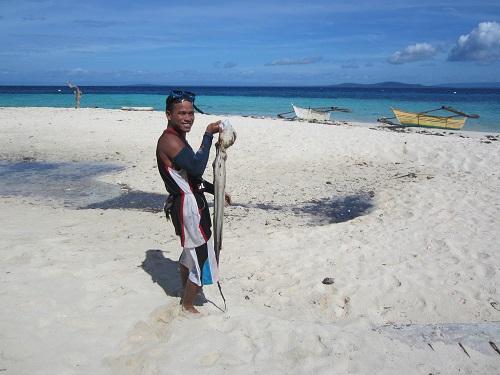 Fischersmann auf Pamilacan Island, Bohol
