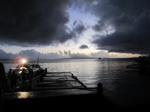 Bei der ersten Morgenfähre von Surigao City nach Siargao Island kann man einen tollen Sonnenaufgang miterleben.