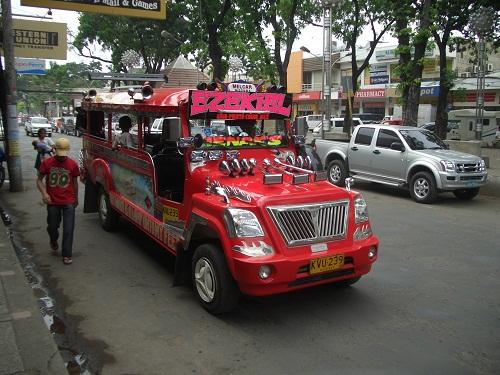 Bus auf den Philippinen: Jeepney