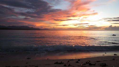 Sonnenaufgang am Strand nähe Mati City