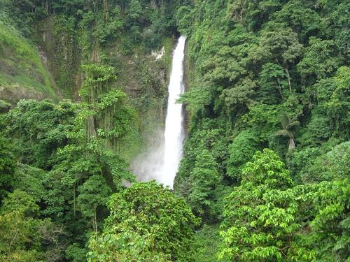 Wasserfall Lake Sebu