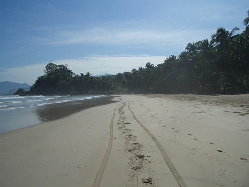 Einer der schönsten Strände auf den Philippinen: Sabang Beach, Puerto Princesa, Palawan