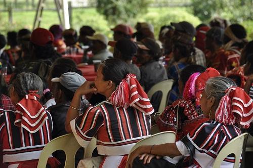 Friedliches Treffen der Tribes in Bukidnon am 28.12.13