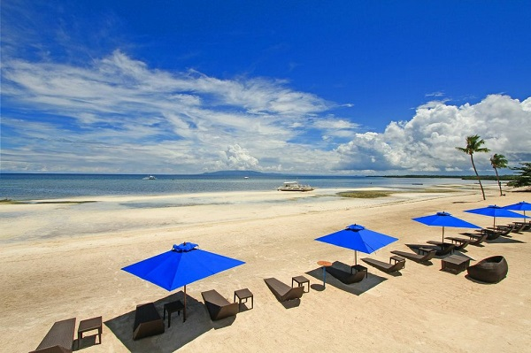 Bellevue Resort Bohol beach