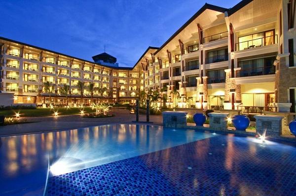 Bellevue Resort Panglao Island with swimming pool