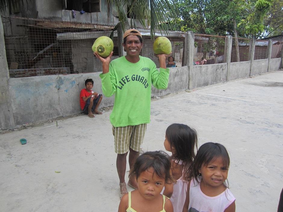 Gilutongan Island Kokosnüsse