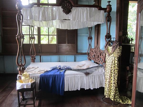 Nur die wirklich wohlhabende Schicht konnte sich ein solches Bett leisten, welches von einem damals bekannten chinesischen Handwerker gebaut wurde.
