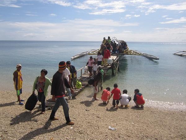 Die Anreise nach Limasawa Island erfolgt typischerweise auf einem philippinischen Boot