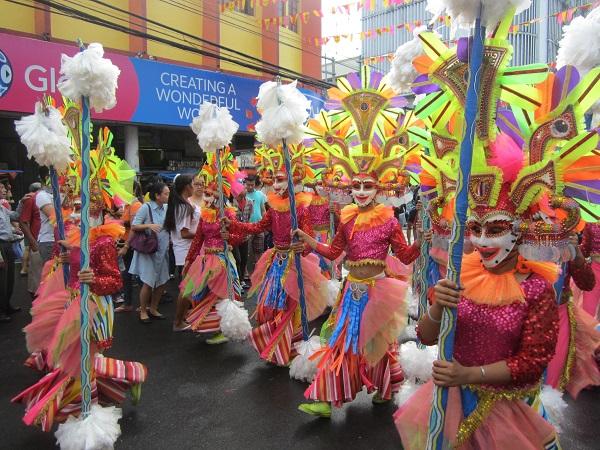 Tänzer auf dem Masskara Festival
