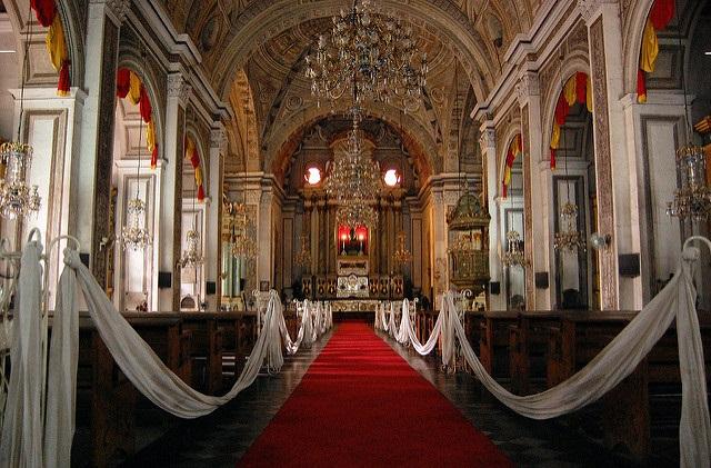 Im Innern der San-Agustin-Kirche in Intramuros, Manila