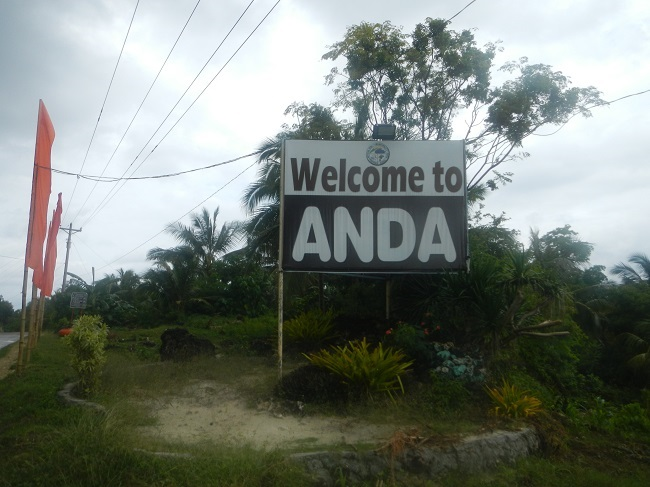 "Willkommensschild in Anda ""Welcome to Anda"""