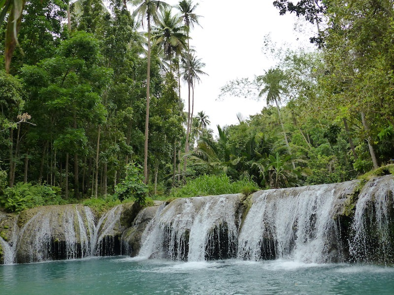 Cambugahay Wasserfälle in Siquijor, Philippinen