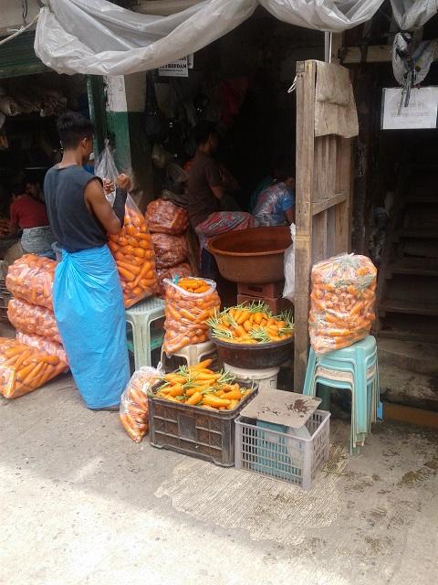Dicke Rüben im wunderschönen Baguio Public Market