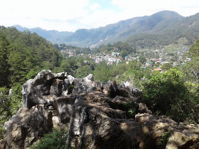Das kleine Städtchen Sagada in den Philippinischen Kordilleren - Foto geschossen in der Nähe des protestantischen Friedhofs in Sagada